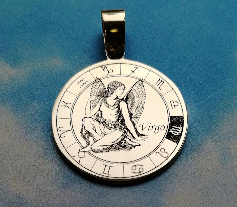 Гравировка на медальоне